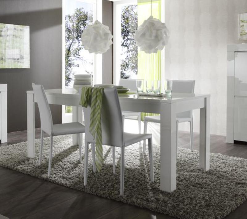 Tavolino con sedie frozen for Tavoli e sedie soggiorno moderno